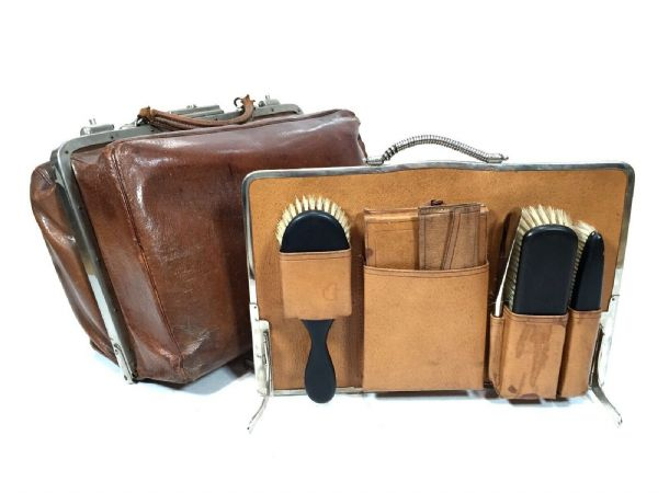 Antique Gentleman's Brown Leather Gladstone Travel / Vanity Case / Complete Bag
